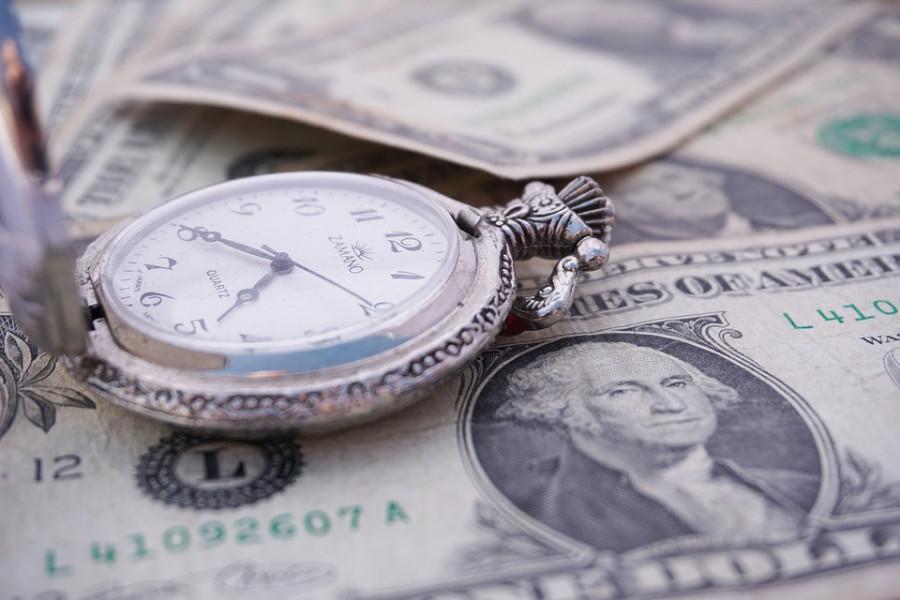 Game over Банки сокращают короткую позицию по доллару