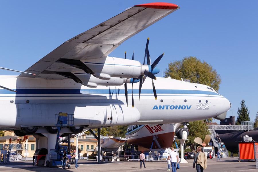propeller-plane-1547788_960_720