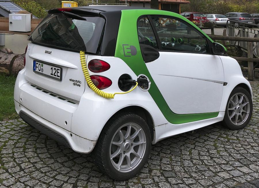 electric-car-2934945_960_720