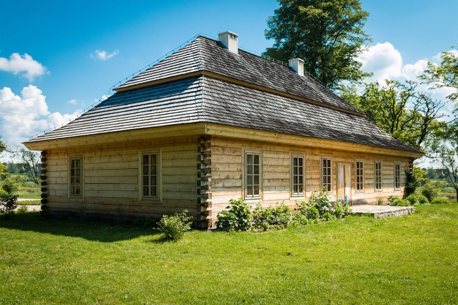 old-house-436481_960_720