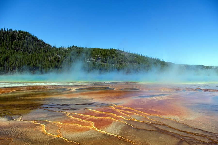 vapors-over-grand-prismatic-spring-3862496_960_720