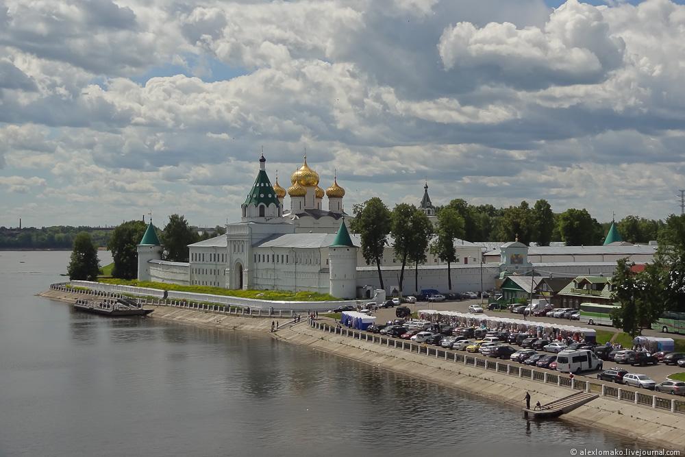 045_Russia_IpatyevskyMonastery_019.jpg