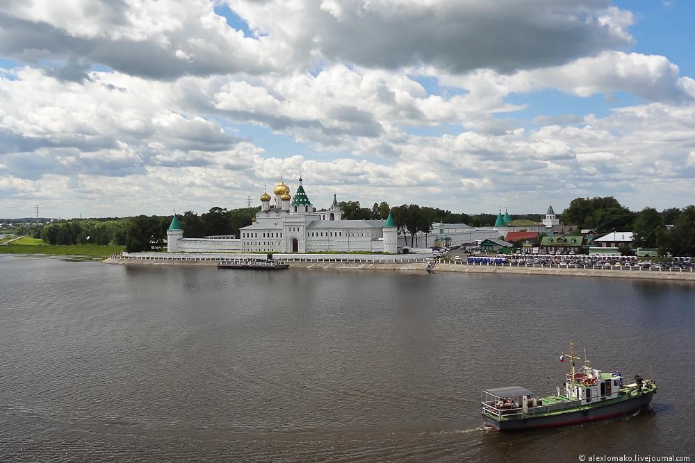045_Russia_IpatyevskyMonastery_000.jpg