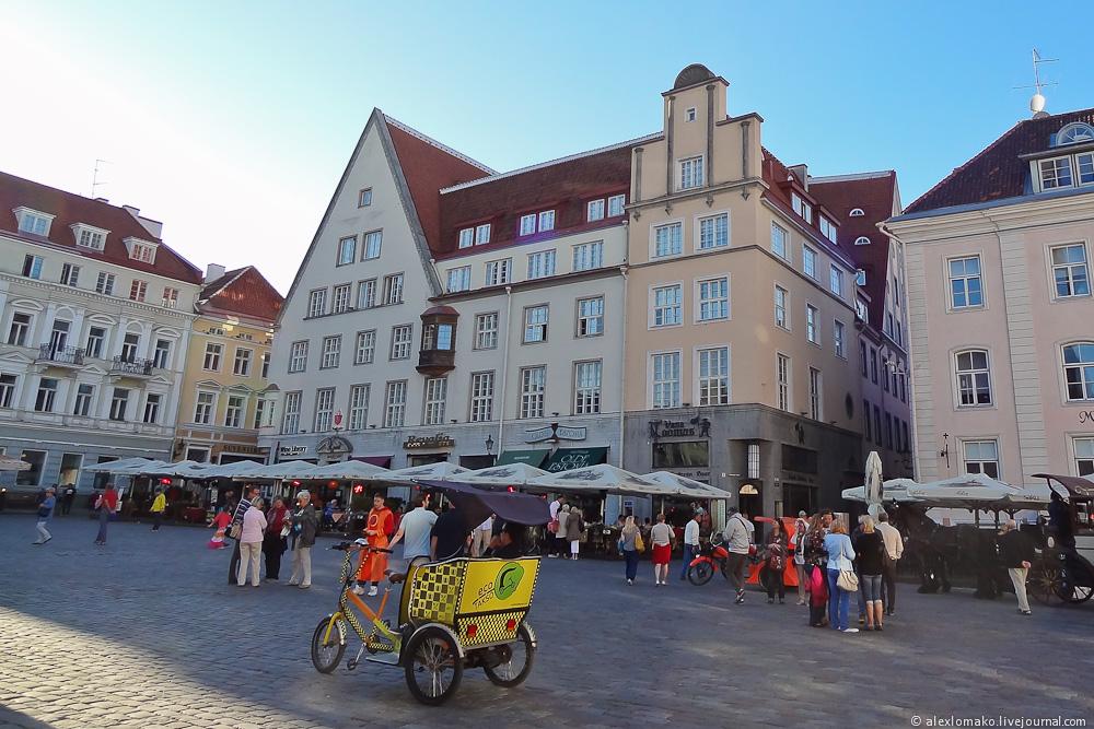 052_Estonia_Tallinn_Guildhall_003.JPG