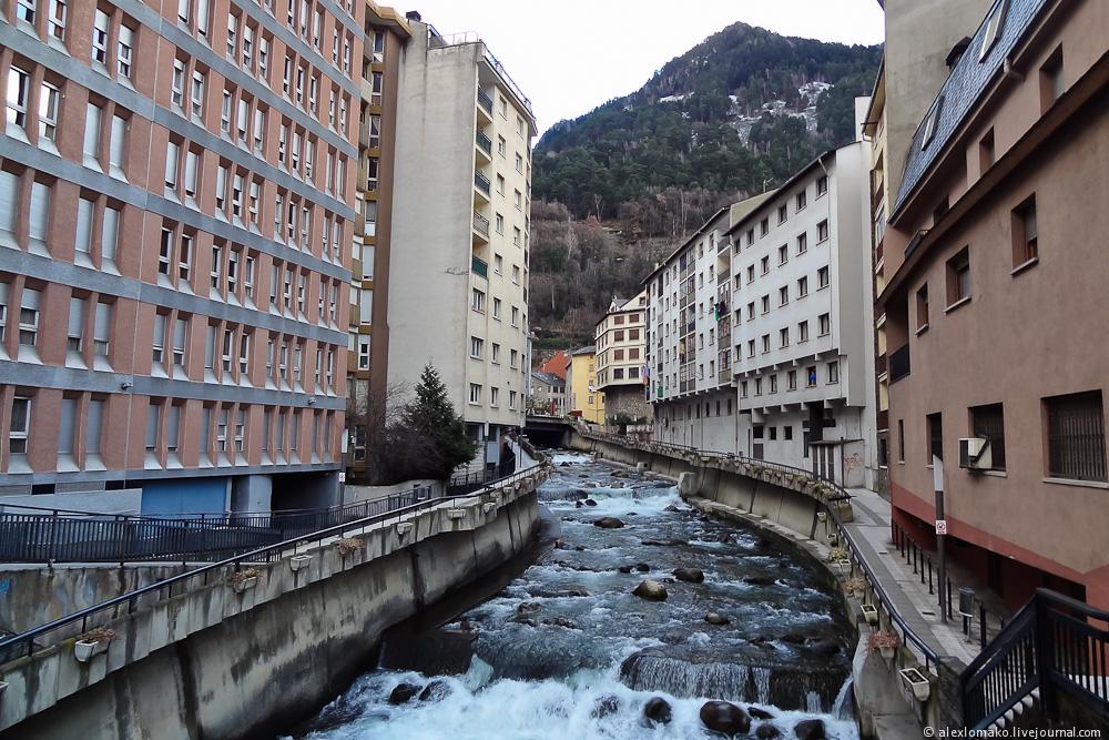 060_Andorra_Andorra-la-Vella_030.JPG