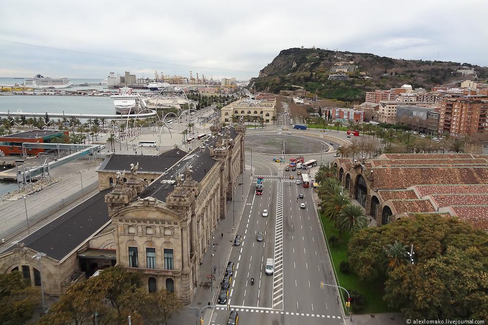 069_Spain_Barcelona_ColumbusMonument_018.JPG