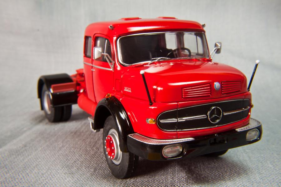 Mercedes-Benz-LS1620-Schuco_15
