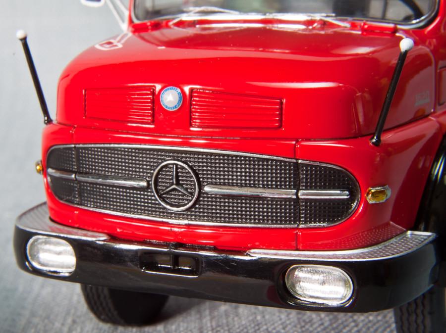 Mercedes-Benz-LS1620-Schuco_7