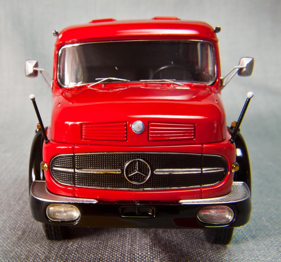 Mercedes-Benz-LS1620-Schuco_16