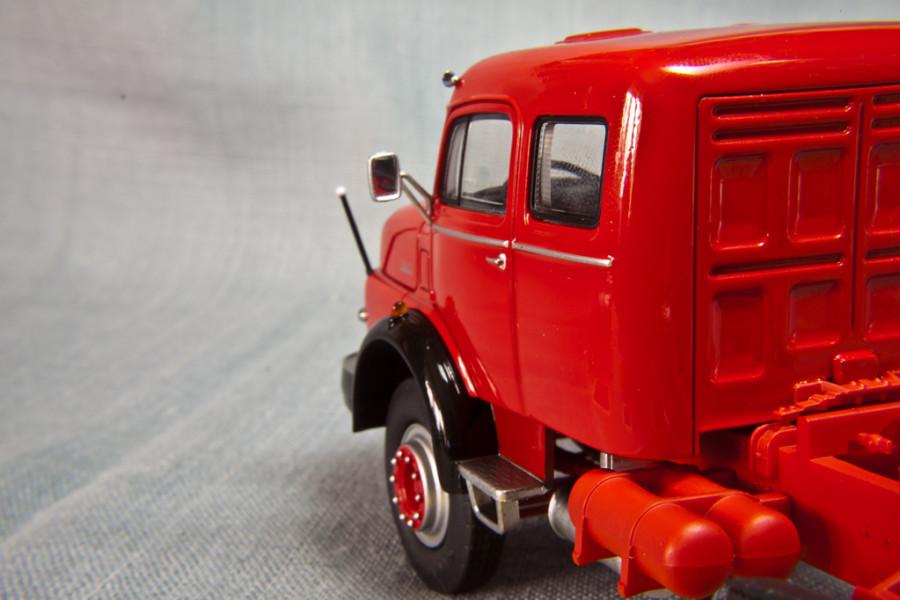 Mercedes-Benz-LS1620-Schuco_17