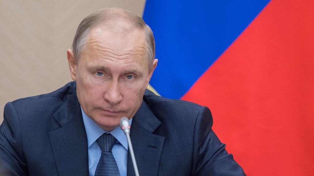 Владимир Путин ужесточил наказание за склонение к самоубийству.