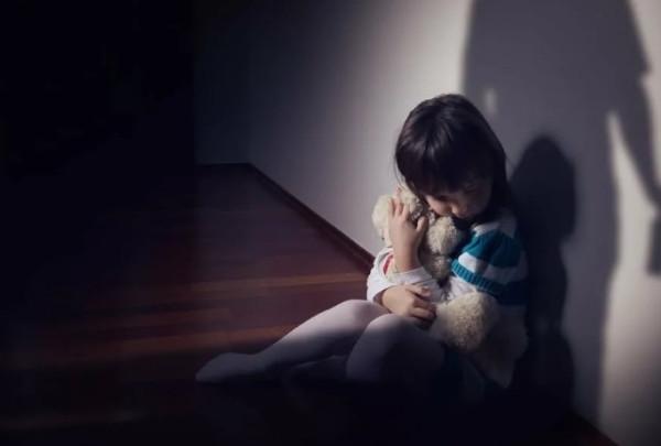 Приемные дети у однополых пар очень часто подвергаются насилию. В России нельзя допустить гей-браки