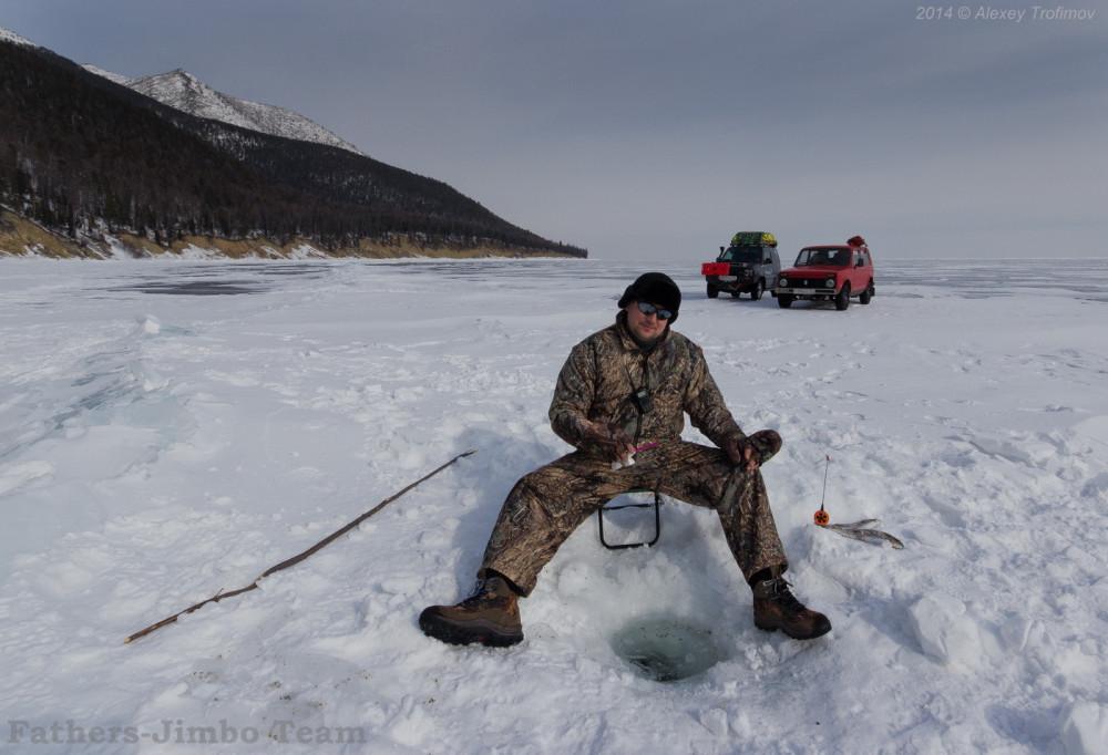 Baikal_2014_03_Jimbo_Nicolas_Fisherman-1
