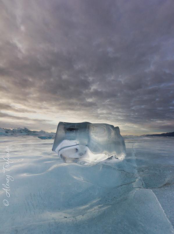Baikal_2019_03_Ice-cLEAR-Sunset-wHITE-2.jpg