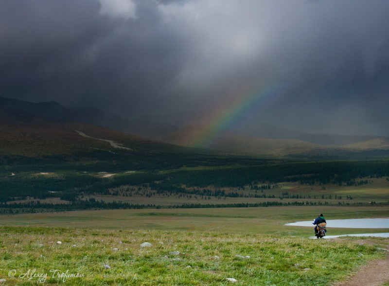 Mongolia_2019_08_Rainbow+Motocyrcle.jpg