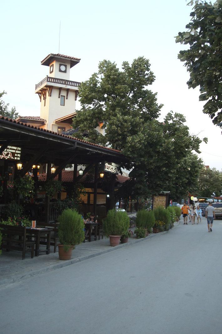 улочка к отелю