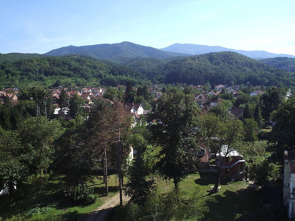 1024px-Vue_générale_de_Mataruška_Banja