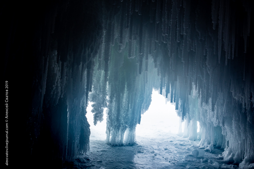 Байкальские гроты стали ниже, красоты ближе