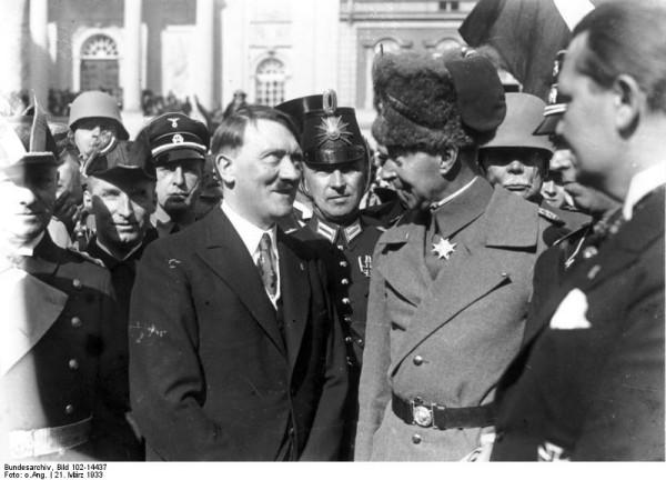 Bundesarchiv_Bild_102-14437,_Tag_von_Potsdam,_Adolf_Hitler,_Kronprinz_Wilhelm