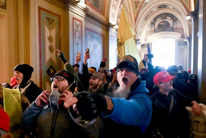 210106-inside-capitol-protest 800a