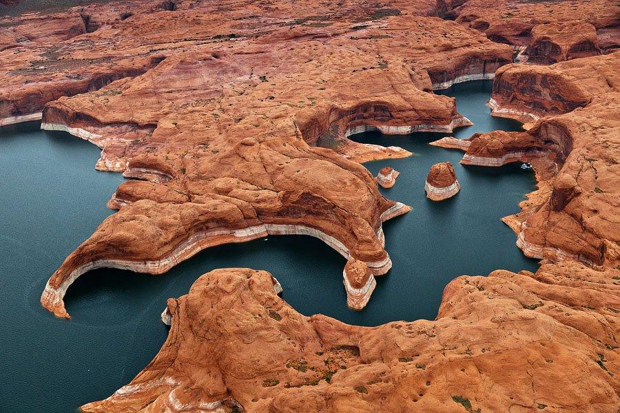 Марсианский ландшафт озера Пауэл