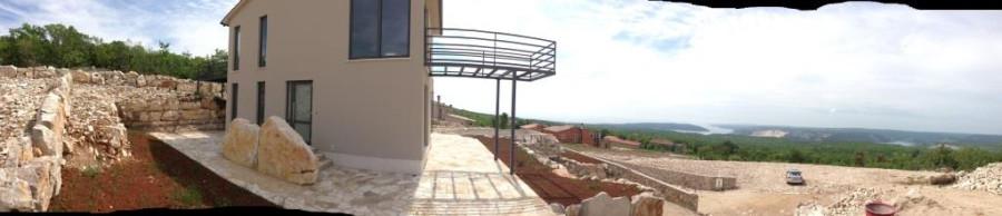 Knapici outside panorama 02