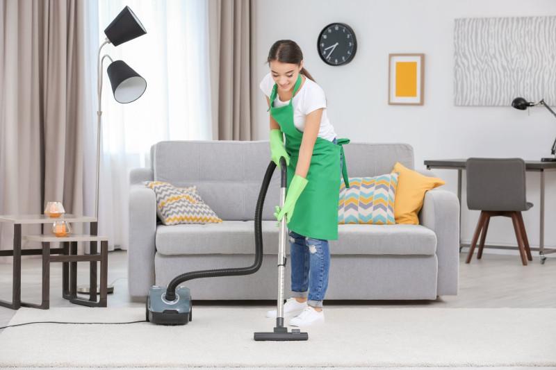 Как почистить дома ковер и куда можно сдать ковры