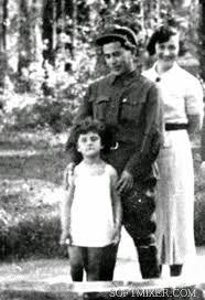 Ежов, жена и дочь