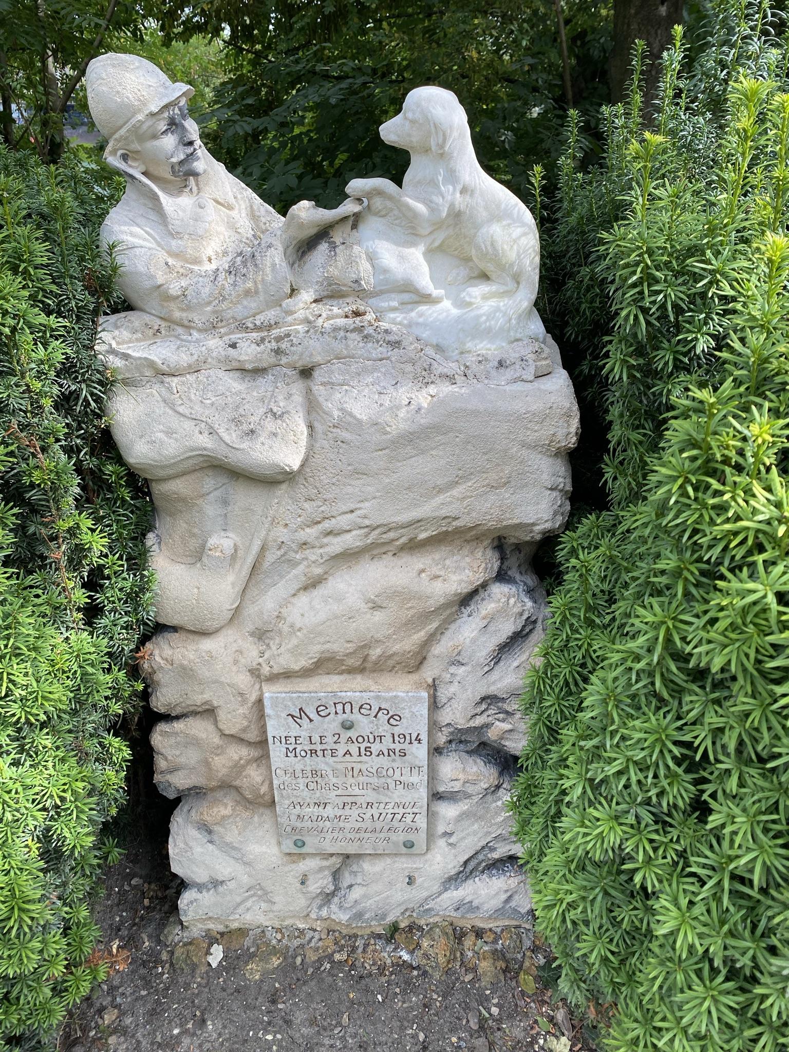 9. Memère род. 2/08/1914 — умер в возрасте 15 лет — родился назавтра после начала Превой Мировой
