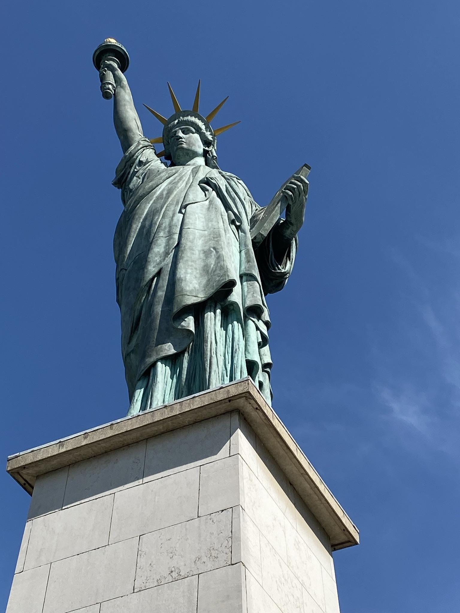 2. Французская копия статуи Свободы