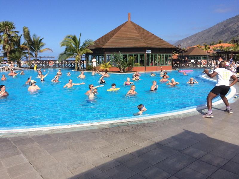 6. Отельный бассейн