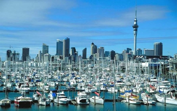 ViewOfAucklandFromTheHarbourBridge