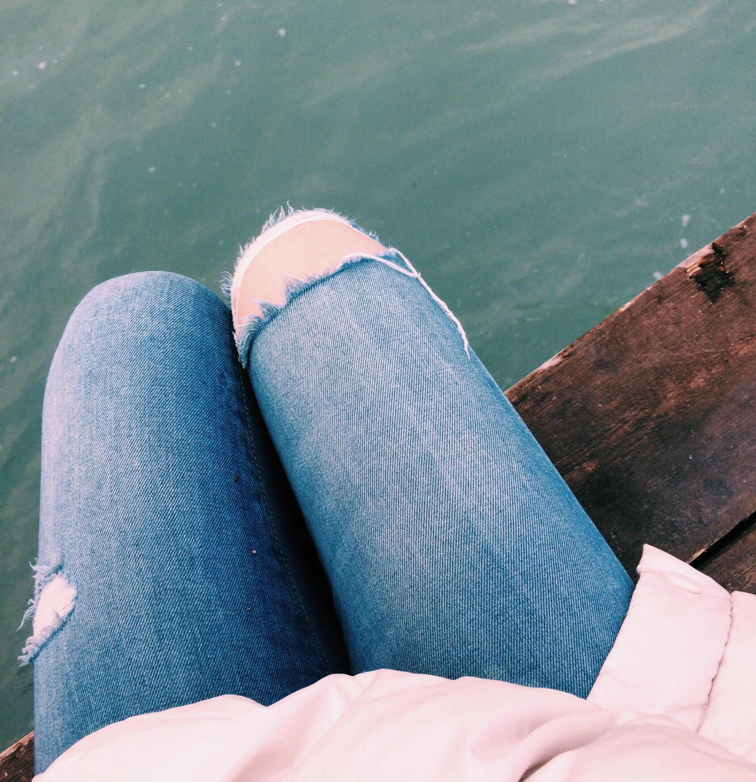 Целовать ножки девушек 28 фотография