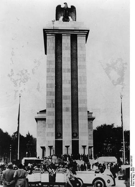 434px-Bundesarchiv_Bild_183-S30757,_Paris,_Weltausstellung,_Deutsches_Haus