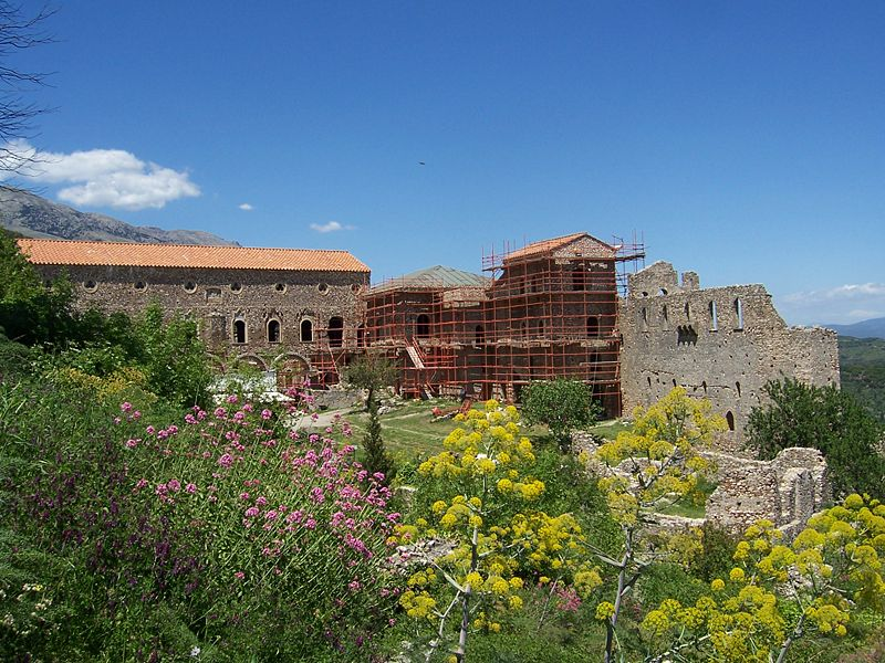 800px-PalaceOfMystras