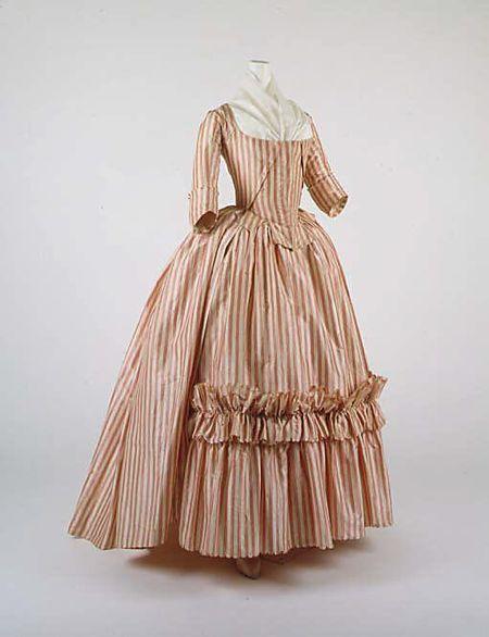 Женское платье 18 века в россии фото