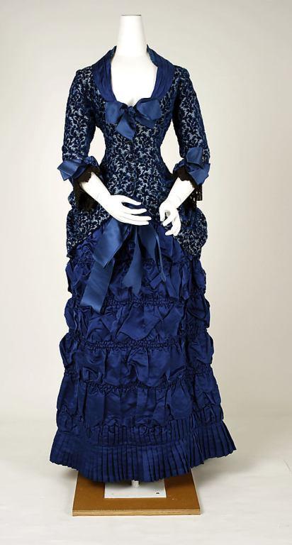 dinner dress_1880-82_met
