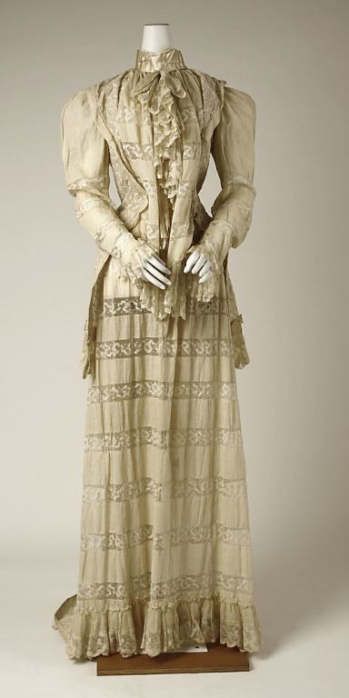 tea gown_1890s_met