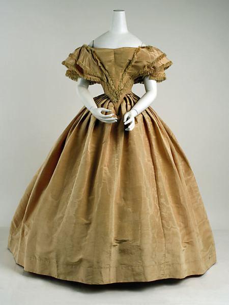 evening dress_1858-9_met