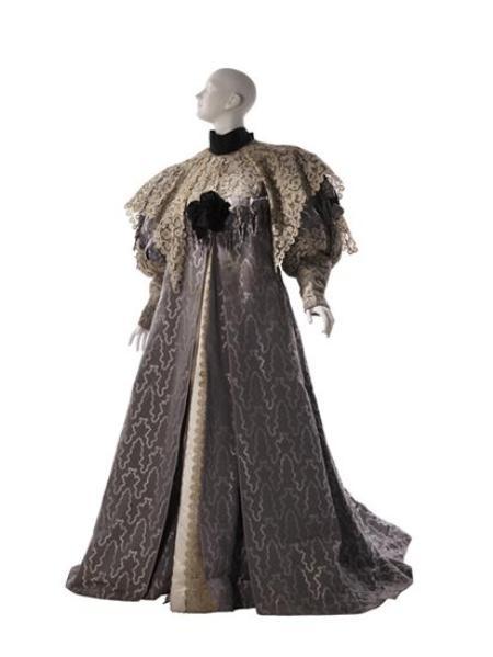 tea gown_1894_mcny