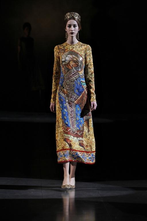 dolce-and-gabbana-fw-2014-women-fashion-show-runway-3