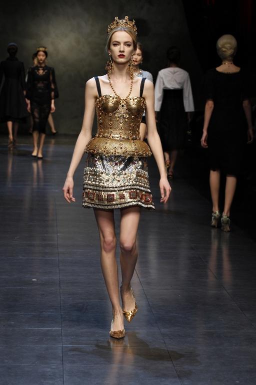 dolce-and-gabbana-fw-2014-women-fashion-show-runway-39