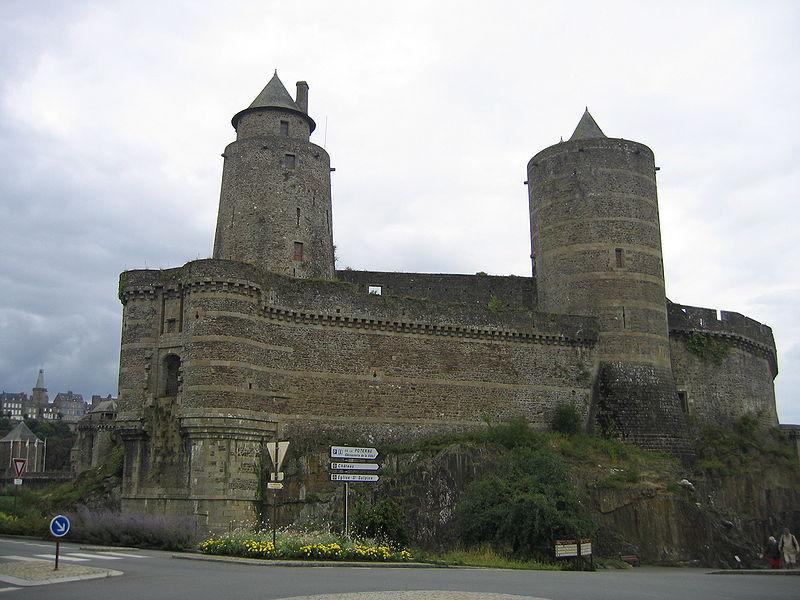 800px-Chateau_de_Fougères_1