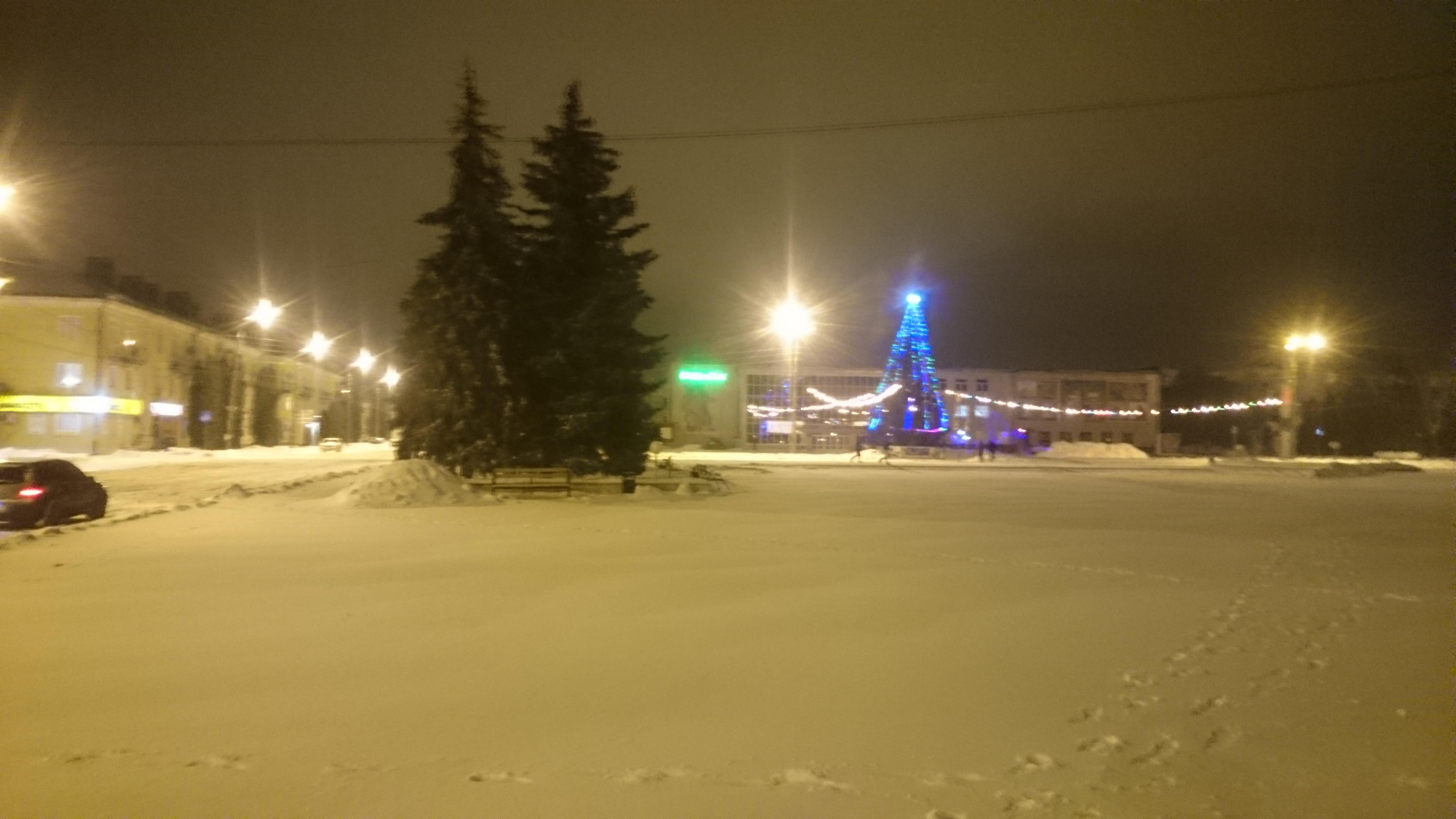Вечер, снежок, тишина