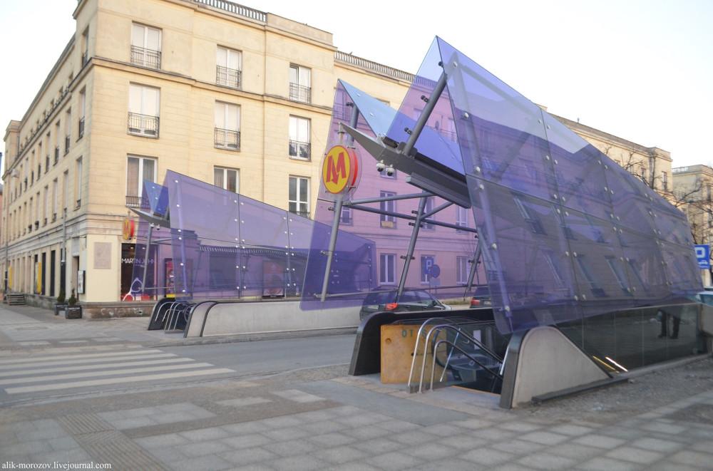 Метрополитен в Варшаве