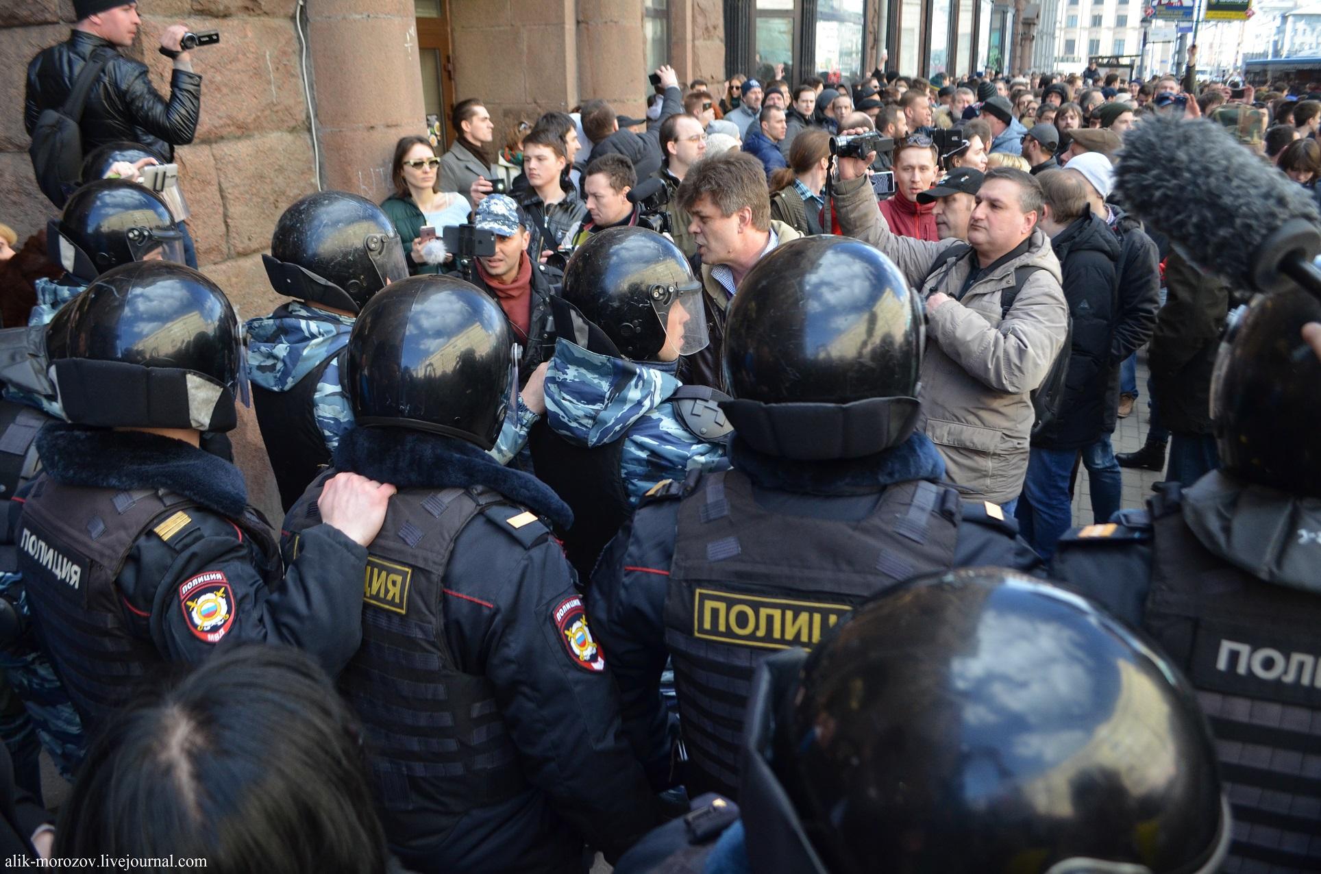 Аресты, штрафы, допросы, угрозы. Последствия воскресных митингов против коррупции
