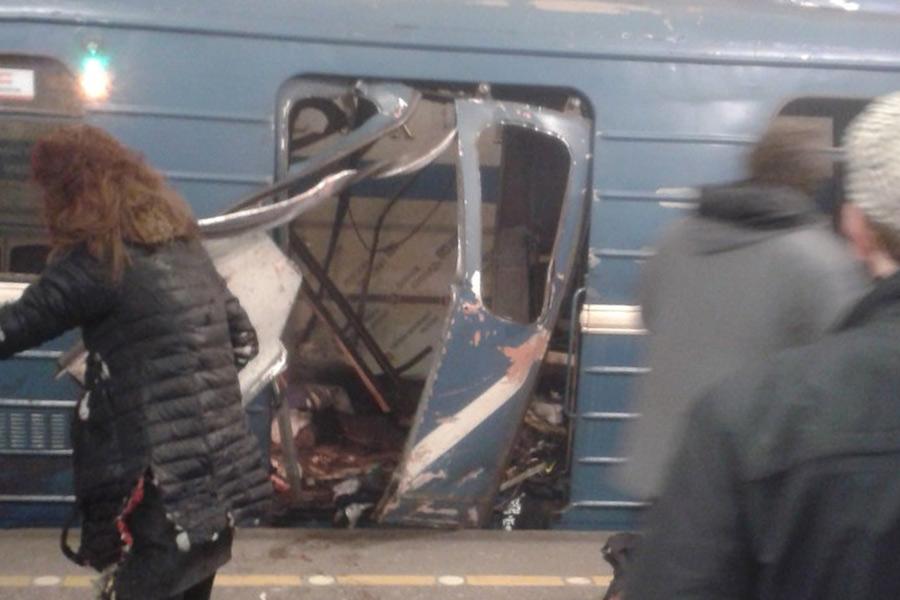 Теракт в метро Петербурга. Видео + Фото