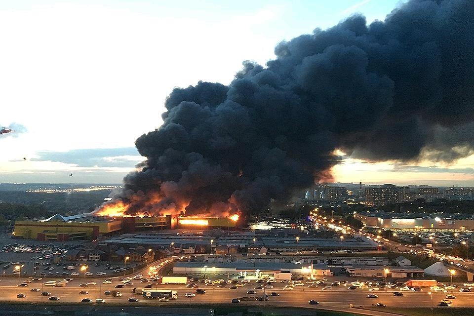 Пожар в ТЦ Синдика от первого лица