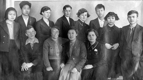 Ивановский интердом. Аньин второй слева в верхнем ряду