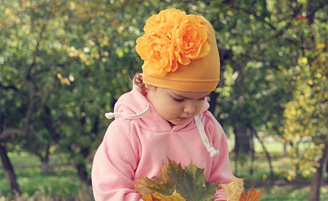 Шапка с цветком своими руками
